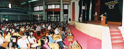 Lễ khai giảng trường ĐHNN năm học 2005 - 2006.