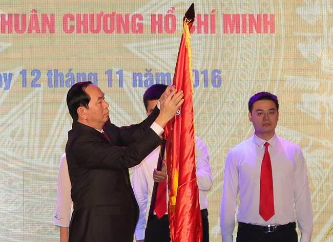 vnu-60-nam-truyen-thong-truong-dh-tong-hop