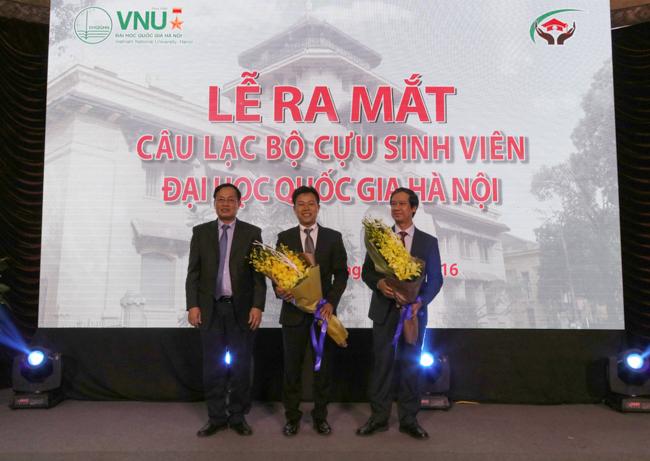 vnu-ra-mat-clb-cuu-sv-dhqghn-20