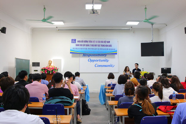 Closing ceremony of Vietnamese language and culture class